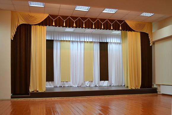 Как сделать сцену в актовом зале